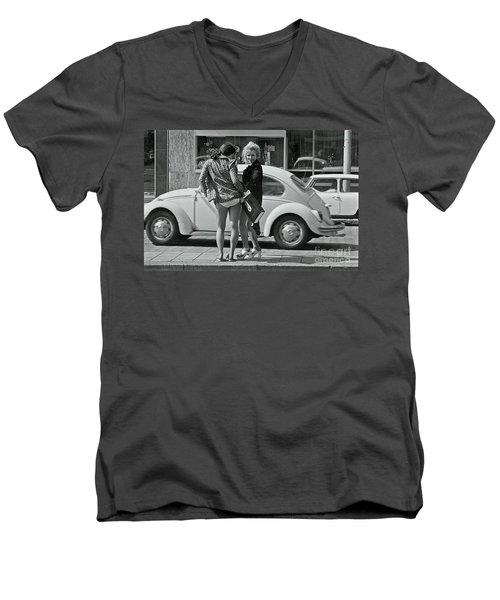Girls Men's V-Neck T-Shirt