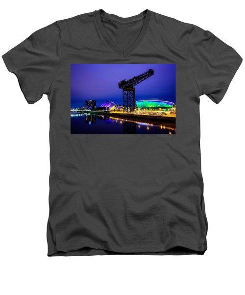 Glasgow At Night Men's V-Neck T-Shirt