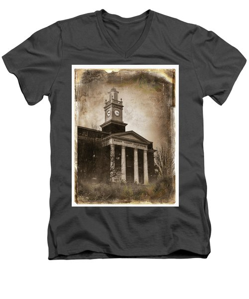 Glasgow Ky Courthouse Men's V-Neck T-Shirt