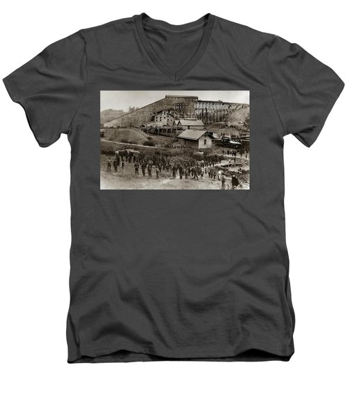 Glen Lyon Pa Susquehanna Coal Co Breaker Late 1800s Men's V-Neck T-Shirt