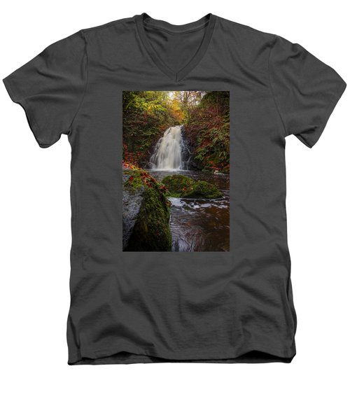 Gleno Falls Portrait View Men's V-Neck T-Shirt