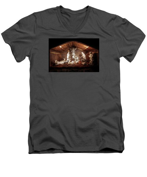 Glory To The Newborn King Men's V-Neck T-Shirt by Shelley Neff