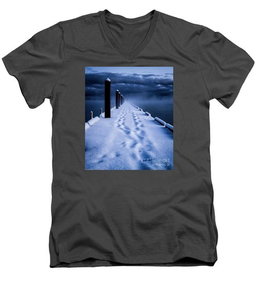 Men's V-Neck T-Shirt featuring the photograph Going To The End by Mitch Shindelbower