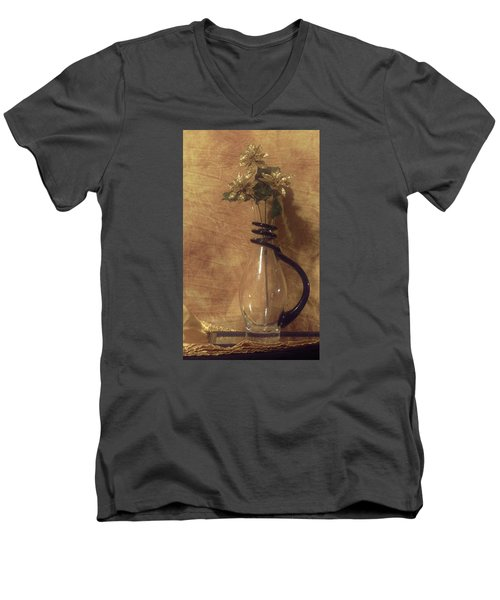 Gold Flower Vase Men's V-Neck T-Shirt