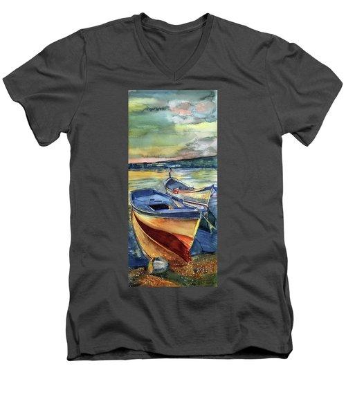 Golden Boats Men's V-Neck T-Shirt