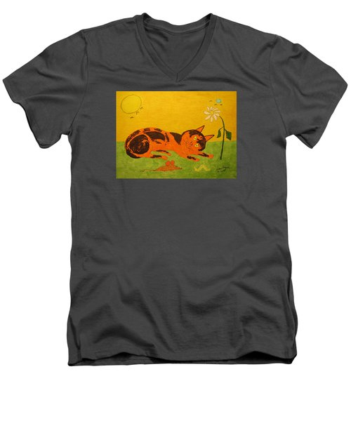 Golden Cat Reclining Men's V-Neck T-Shirt