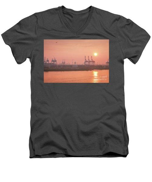 Golden Hour On The Elbe Men's V-Neck T-Shirt