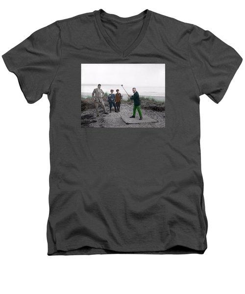 Golf 1907 Dream Men's V-Neck T-Shirt