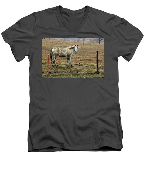 Got Mud ? Men's V-Neck T-Shirt