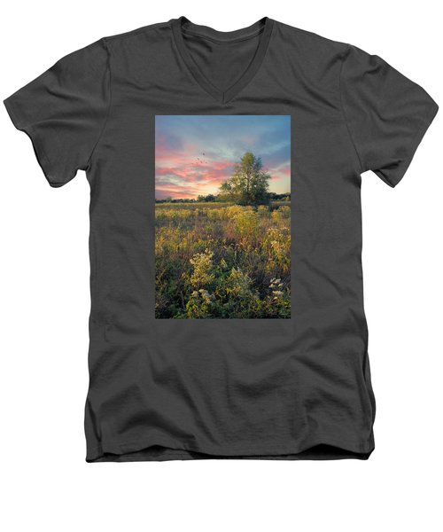 Men's V-Neck T-Shirt featuring the photograph Grateful For The Day by John Rivera