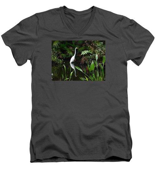 Great Egret In Pond Men's V-Neck T-Shirt by Melinda Saminski
