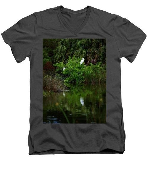 Great Egret Men's V-Neck T-Shirt