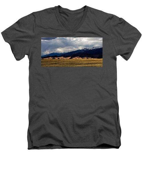 Great Sand Dunes Panorama Men's V-Neck T-Shirt