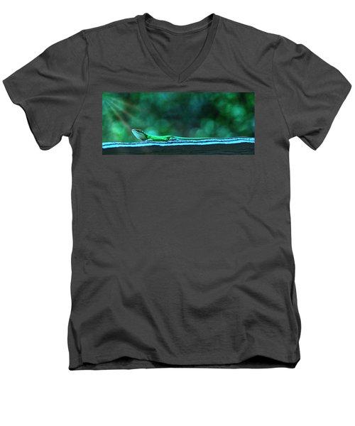 Green Anole Lizard Men's V-Neck T-Shirt