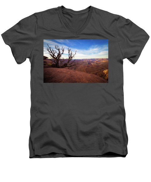 Green River Overlook Men's V-Neck T-Shirt
