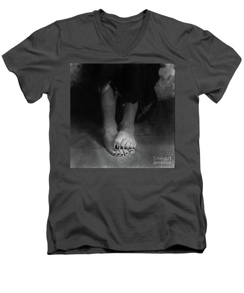 Green Room #025 Men's V-Neck T-Shirt