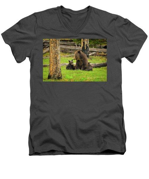 Grizzly Family Gathering Men's V-Neck T-Shirt
