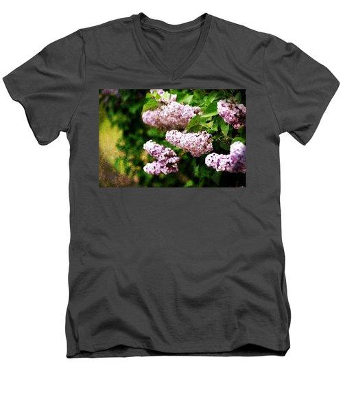 Grunge Lilacs Men's V-Neck T-Shirt