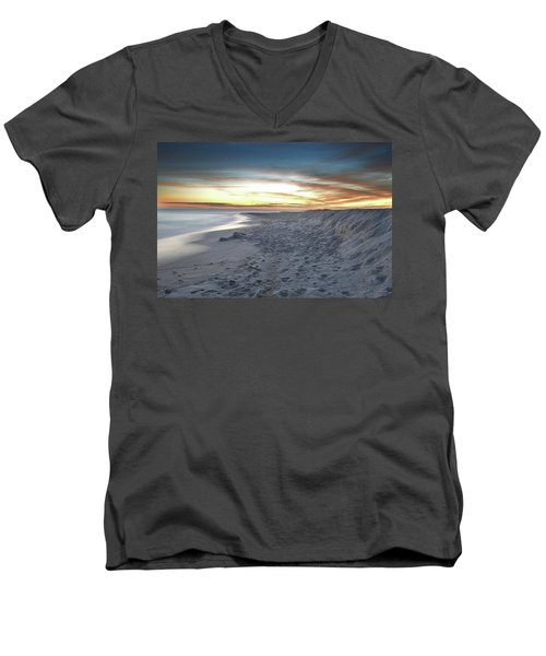Men's V-Neck T-Shirt featuring the photograph Gulf Island National Seashore by Renee Hardison