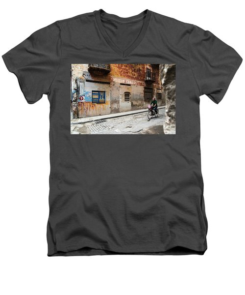 Habana Vieja Ride Men's V-Neck T-Shirt
