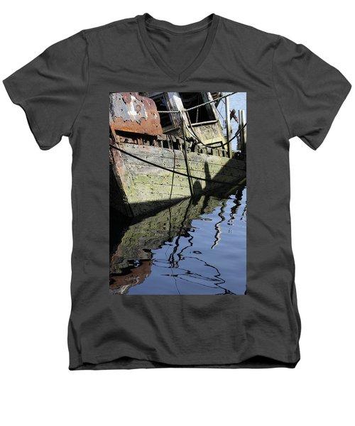Half Sunk Boat Men's V-Neck T-Shirt