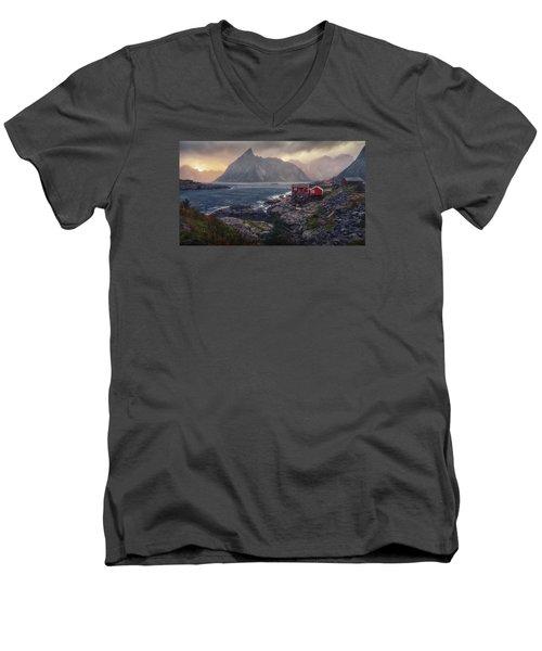 Hamnoy Men's V-Neck T-Shirt