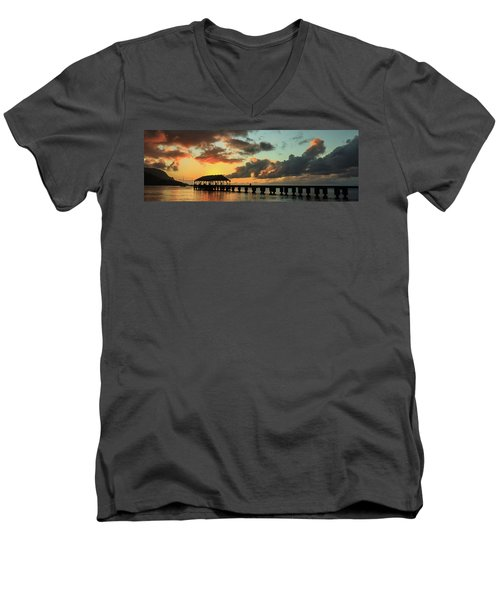 Hanalei Pier Sunset Panorama Men's V-Neck T-Shirt