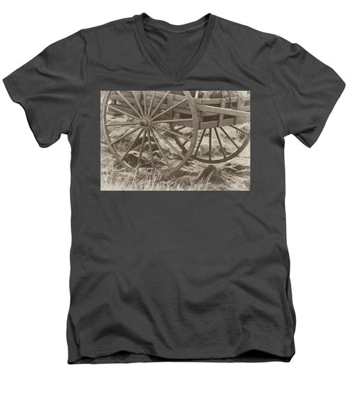 Handcart Men's V-Neck T-Shirt