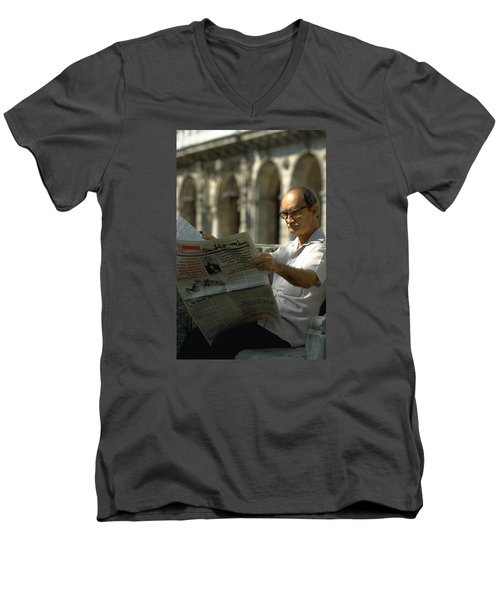 Men's V-Neck T-Shirt featuring the photograph Havana by Travel Pics