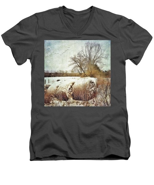 Hay Bales In Snow Men's V-Neck T-Shirt