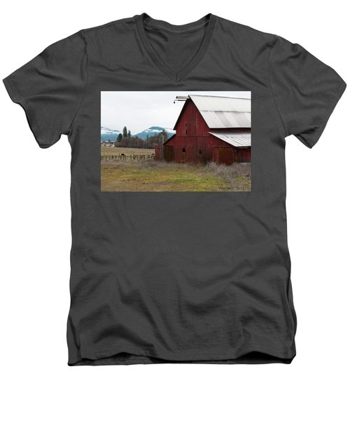 Hayfork Red Barn Men's V-Neck T-Shirt