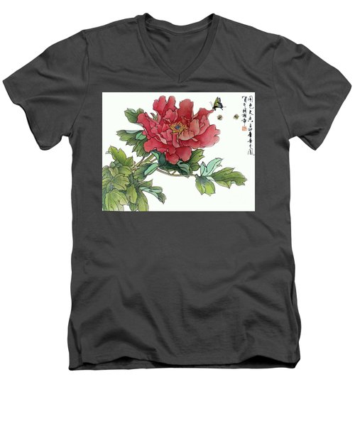 Men's V-Neck T-Shirt featuring the photograph Heavenly Flower by Yufeng Wang