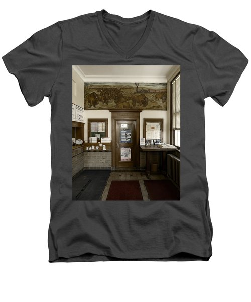 Hebron Nebraska Post Office Mural Men's V-Neck T-Shirt