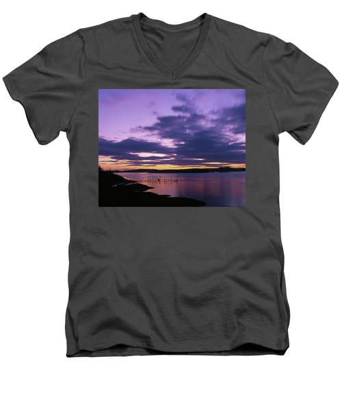 Herring Weir, Sunset Men's V-Neck T-Shirt