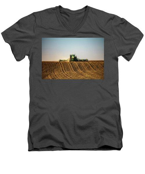 Herringbone Sowing Men's V-Neck T-Shirt