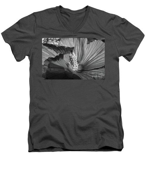Hibiscus Black And White Men's V-Neck T-Shirt