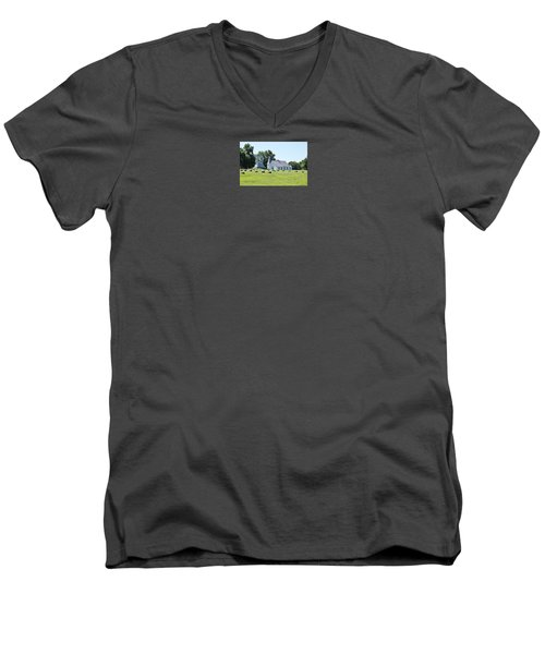 Higginsville  Missouri Men's V-Neck T-Shirt