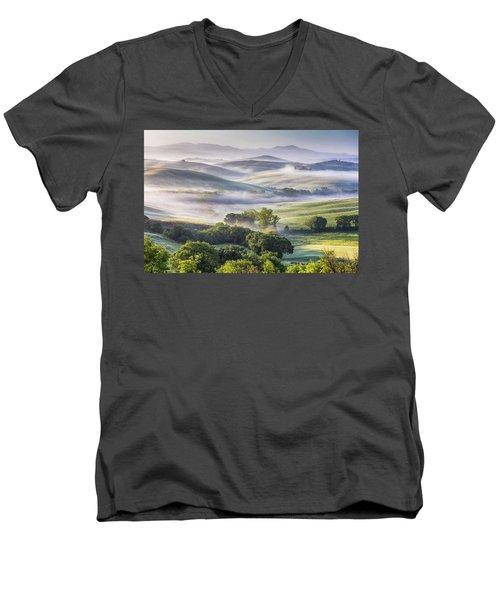 Hilly Tuscany Valley At Morning Men's V-Neck T-Shirt