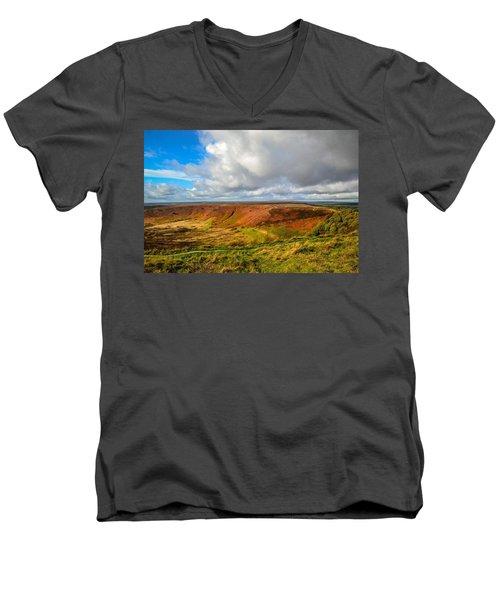 Hole Of Horcum, North York Mores, Yorkshire, United Kingdom Men's V-Neck T-Shirt