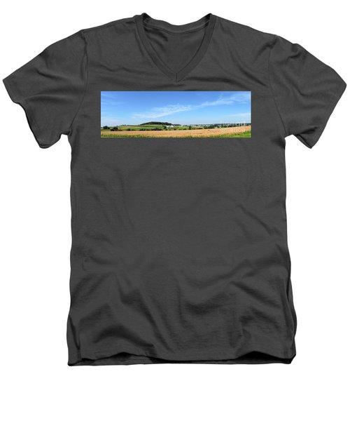 Holmes County Ohio Men's V-Neck T-Shirt
