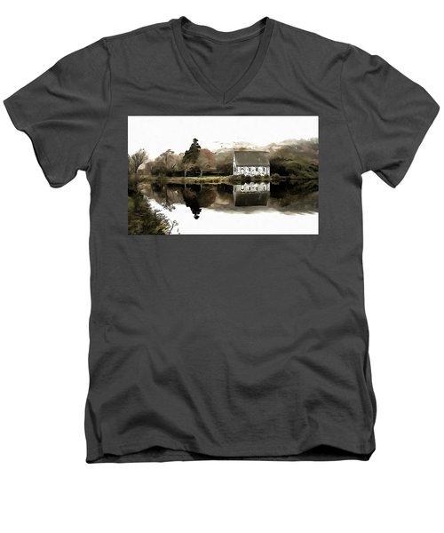 Homely House Men's V-Neck T-Shirt