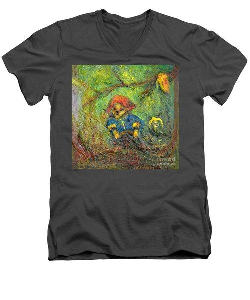 Honey Bear Men's V-Neck T-Shirt
