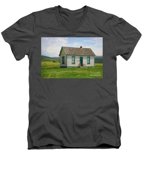Honeymoon  Cabin Men's V-Neck T-Shirt