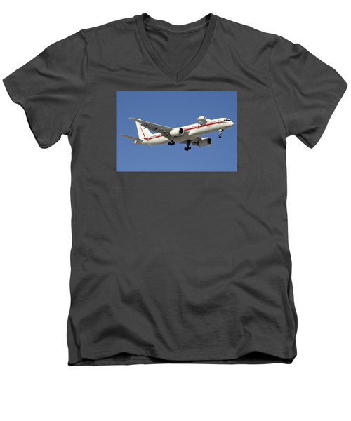 Honeywell Boeing 757-225 N757hw Phoenix Sky Harbor December 7 2015 Men's V-Neck T-Shirt by Brian Lockett