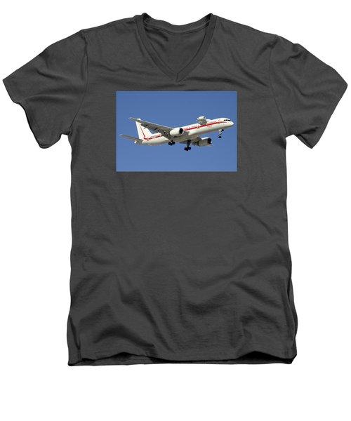 Honeywell Boeing 757-225 N757hw Phoenix Sky Harbor December 7 2015 Men's V-Neck T-Shirt