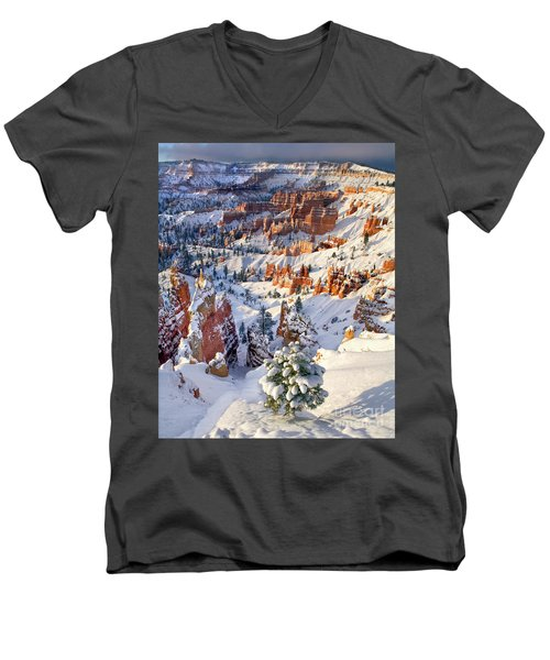Men's V-Neck T-Shirt featuring the photograph Hoodoos And Fir Tree In Winter Bryce Canyon Np Utah by Dave Welling