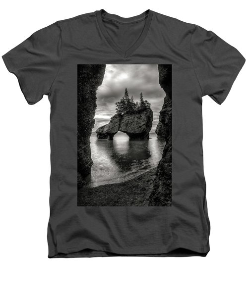 Hopewell Rocks Men's V-Neck T-Shirt