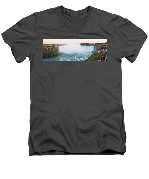 Horseshoe Falls At Dusk Men's V-Neck T-Shirt