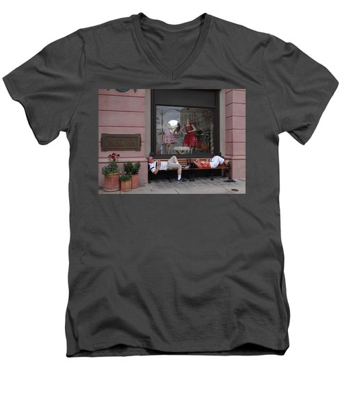 Hot In The City Men's V-Neck T-Shirt