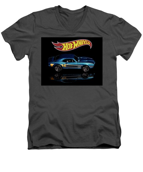 Hot Wheels '67 Pontiac Firebird 400-1 Men's V-Neck T-Shirt